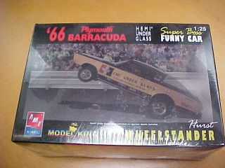 AMT 1966 Barracuda Hurst Hemi Under Glass Model King Funny Car Kit