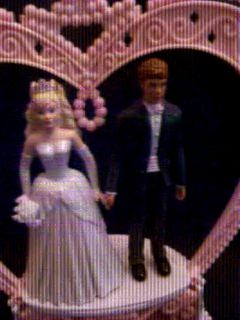 2006 Barbie and Ken Wedding Cake Topper Plays Music / Flower