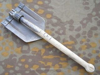 ORIGINAL GERMAN WWII FOLDING SHOVEL (KLAPPSPATEN) MAKER LOGO daq