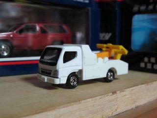 Mitsubishi Fuso Canter Century wrecker tomica free shipping