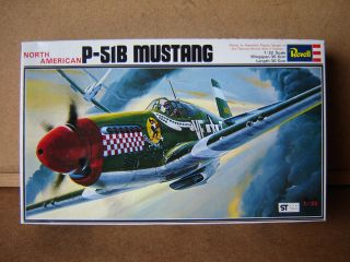 North American P 51B Mustang Fighter Aircraft by Revell 1 32 Scale New