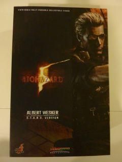 Hot Toys Resident Evil 5 Biohazard Albert Wesker STARS Ver. 1/6 Scale