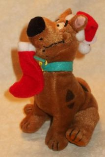 Gund 5 Plush Stuffed Scooby Doo in Holiday Christmas Santa Claus Hat