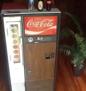 Vintage Antique Small Coke Machine Vending works Cold 50c with Key No