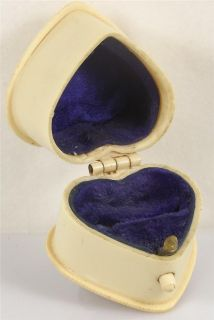 ANTIQUE CELLULOID RING JEWELLERY BOX VINTAGE JEWELRY DISPLAY CASE T94