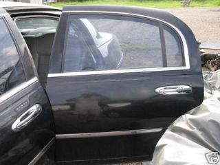 1999 2000 2001 2002 Lincoln Town Car Left Rear Door