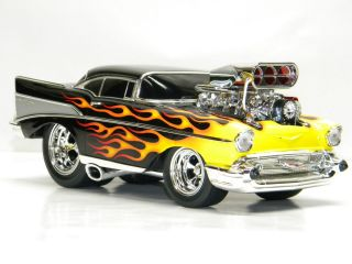 1957 CHEVROLET BEL AIR MUSCLE MACHINE 1 18 Scale DieCast Model CAR 57