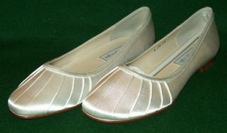Womens Touch UPS Daisy 7 M Bridal Flats White Satin Shoes New in