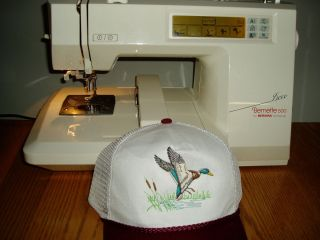 BERNINA DECO 500 EMBROIDERY MACHINE with HAT HOOP Standard and Small