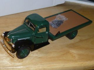 New 1 32 Scale Diecast 1941 Chevy Flatbed Tow Truck Green with Chains