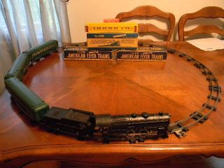 American Flyer 3/16 Train with 40 dimeter Sectional Tracks