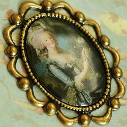 Victorian Cameo Brooch Gothic Costume Antique Vintage