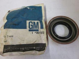 NOS GM 1965 72 Chevy Camaro Nova Chevelle Impala 10 Bolt Pinion Seal