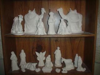 C415 20 Piece Ceramic Bisque Large Byron Nativity Set