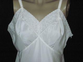 Lovely White Vtg Full Slips to Dye for Vanity Fair Van Raalte 2
