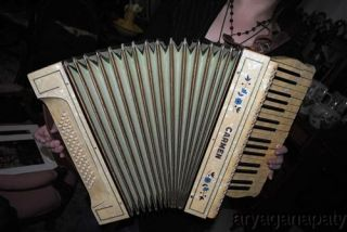 Vintage Carmen M Hohner Accordion No 85280 48 34 Key Excellent