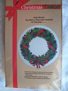 CHRISTMAS LATCH HOOK KIT TREE SKIRT OR RUG HOLLY WREATH 34 CARON NEW