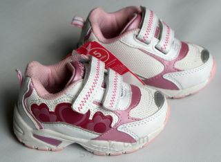 NEW Girls Carters Athletic Light Up Shoes sz 5 White Pink Hearts NIB