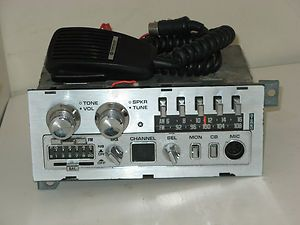 Chrysler Mopar Auto Car Truck Am FM CB Radio w Microphone