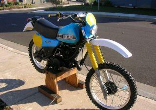 IT425 Motorcycle MX Dirt Bike Headlight Number Plate Shroud