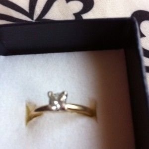 2ct Princess Cut Diamon Solitare 14k Gold. Size 7
