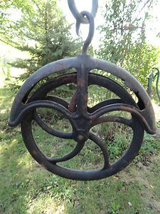 Antique Well Pulley Large Cast Iron Wheel Barn Farm Trolley