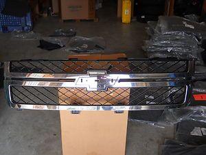 2011 2012 Chevrolet Silverado 2500HD Chrome Grille