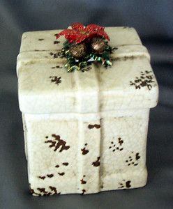Cookie Jar Gift Box Christmas Holiday Decor New Pine Cones Poinsettias