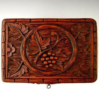 ANTIQUE BLACK FOREST HAND CARVED CIGAR CADDY BOX, GRAPE VINE MOTIF