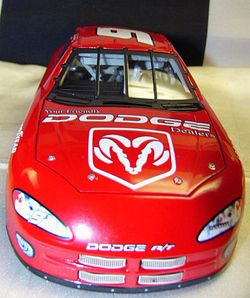 NASCAR Bill Elliott #9 Dodge Intrepid Diecast 2001 Action Racing 124