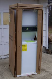 White Westinghouse Stacked Washer Gas Dryer Clothes Laundry Center NIB