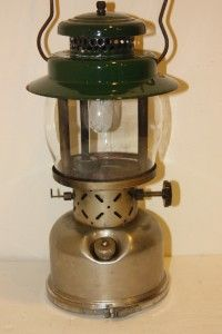 Vintage Coleman 1963 Kerosene Lantern Model 237 w/ Storage Compartment