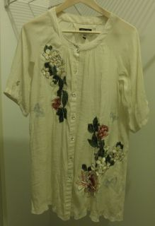 Como No Peasant Blouse Size M Beige embroidered with flowers