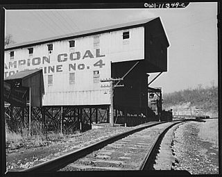 Sound Effects CD Loading Hopper Cars at A Coal Mine Tipple