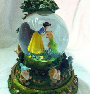 Disney Snow White Seven Dwarfs Rotating Bottom Snowglobe