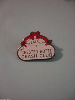 Ski Skiing MEMBER OF CRESTED BUTTE CRASH CLUB Lapel Pin Badge
