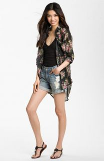 Line & Dot Shirt & 7 For All Mankind® Shorts