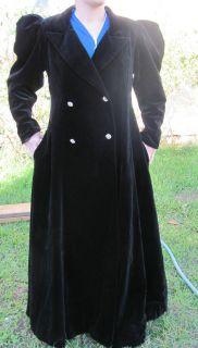 Dan Brown I Magnin black velvet coat 1970, steampunk, gothic