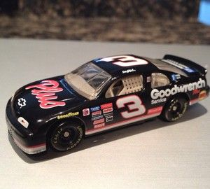 64 Action Diecast 1998 Chevy Monte Carlo NASCAR   Dale Earnhardt