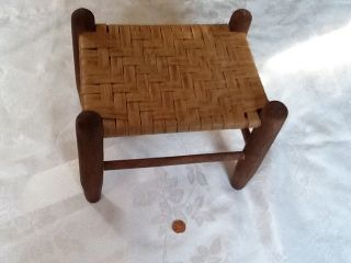 VINTAGE WONDERFUL WOVEN STOOL / CHILDS FIRESIDE SEAT ~ GREAT CHRISTMAS