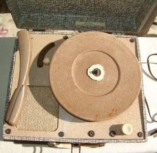 Vintage TraVler 3 speed Portable Record Player & Huge lot of 45s all