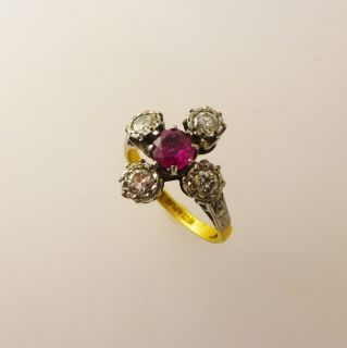 Beautiful Victorian Diamond and Ruby Ring 18ct Gold & Platinum ANTIQUE