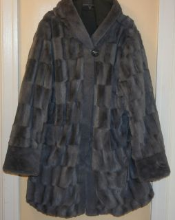 NEW 1X GORGEOUS DENNIS BASSO REVERSIBLE FAUX FUR COAT GREY PLUS 1X NWT