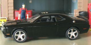 2009 Dodge Hemi Challenger SRT8 Opening Hood w 6 1L V8 1 64 Diecast 1
