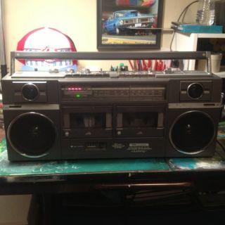 SR2100 Series Dual Cassette Ghettoblaster Boombox RARE