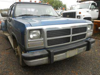 81 85 86 87 88 89 90 91 92 93 Dodge RAM 150 Pickup Hood