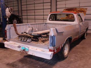 88 89 Dodge RAM 100 Pickup Intake Manifold 8 318 5 2L