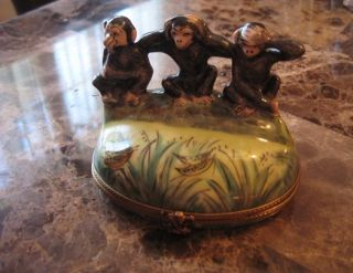 Vintage Limoge Monkeys Hear Speak See No Evil Peint Main Trinket Box
