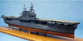 YKM35054 USS Enterprise CV6 Aircraft Carrier 1944 Kit 1