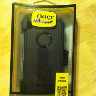 Otterbox Defender Holster Case for iPhone 5, Black, Authentic & New